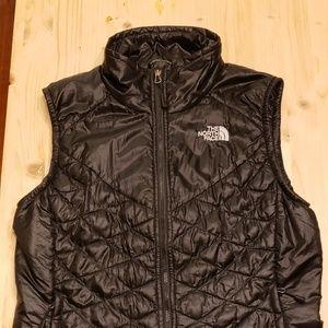 NorthFace Lightweight Thermoball Black Vest SM